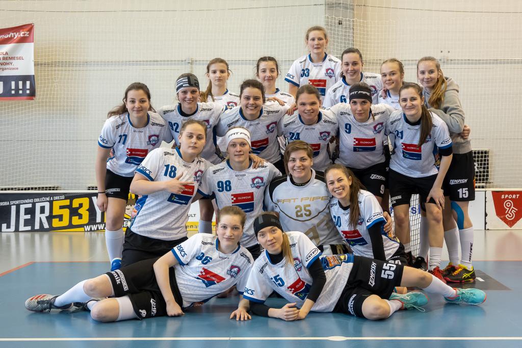 Obrázek 1: Tým FBS Olomouc po vítězství na půdě Bulldogs Brno