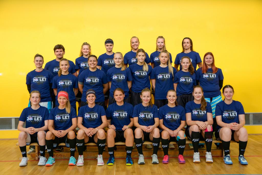 Obrázek 1: Extraligový tým žen pro sezónu 2021/2022.
